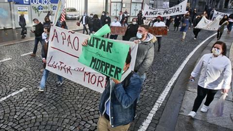 Empresários da restauração, comercio e hotelaria protestam no Porto