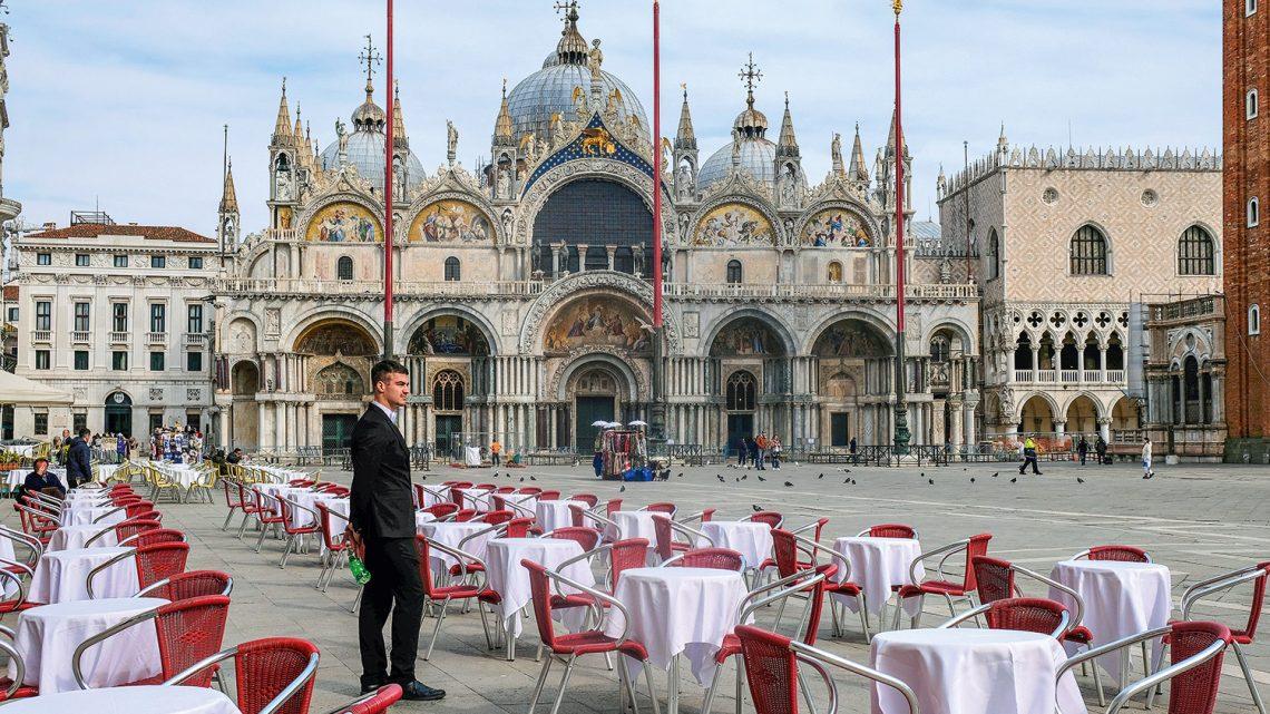 Itália decreta confinamento quase total em todo o país durante as festividades