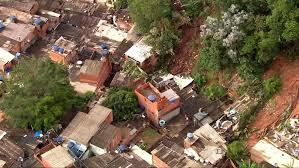 Pelo menos cinco pessoas morrem após fortes chuvas no Brasil