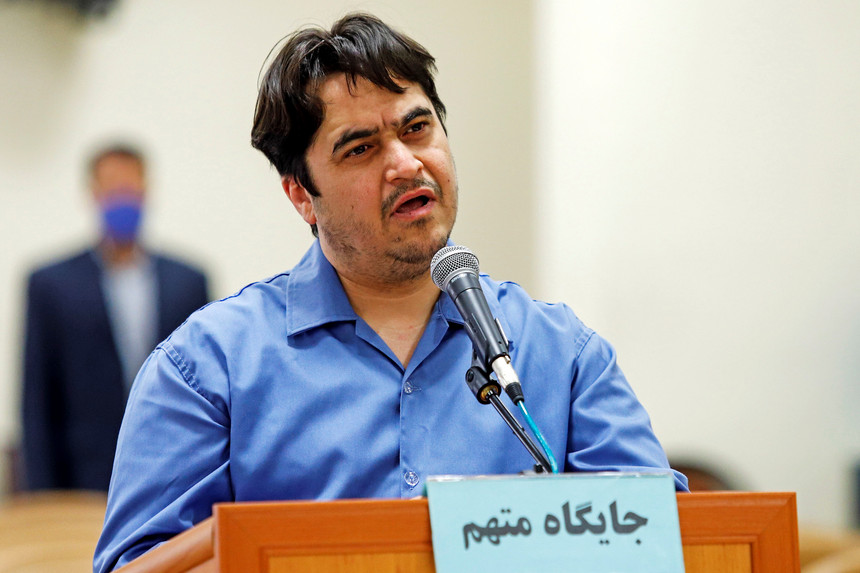 Teerão enforcou hoje jornalista iraniano por incitar protestos contra regime