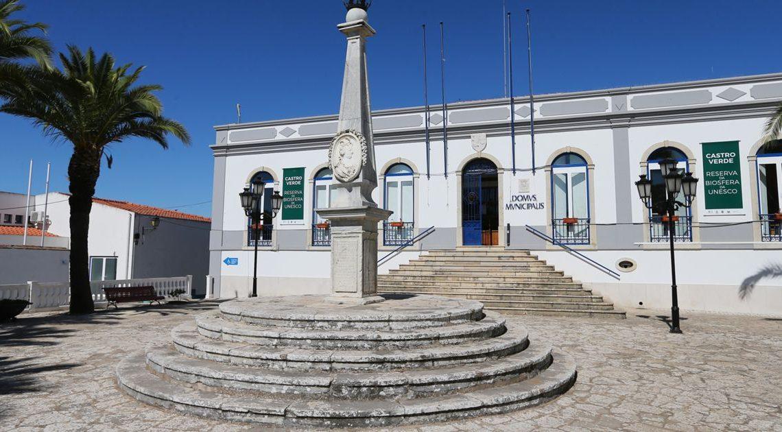 """Confinamento de comunidade cigana em Castro Verde. SOS Racismo fala em """"segregação"""", autarquia nega"""