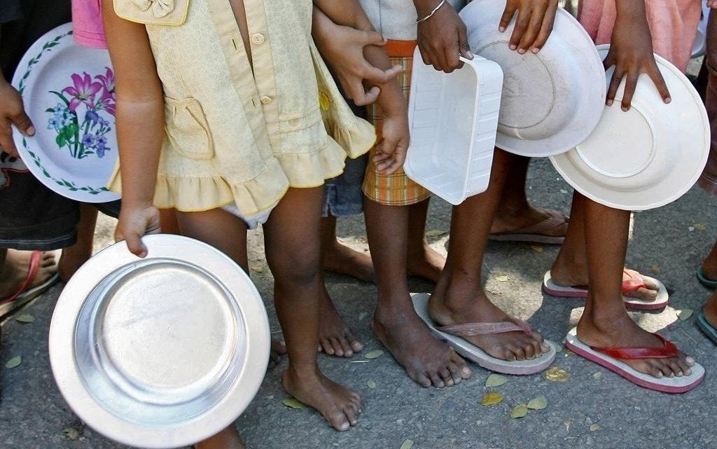 Brasil: Entre o vírus e a fome