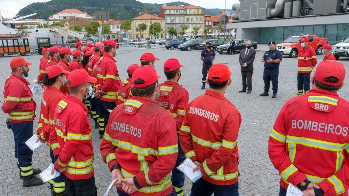 Cerca de 15.000 bombeiros começam hoje a ser vacinados