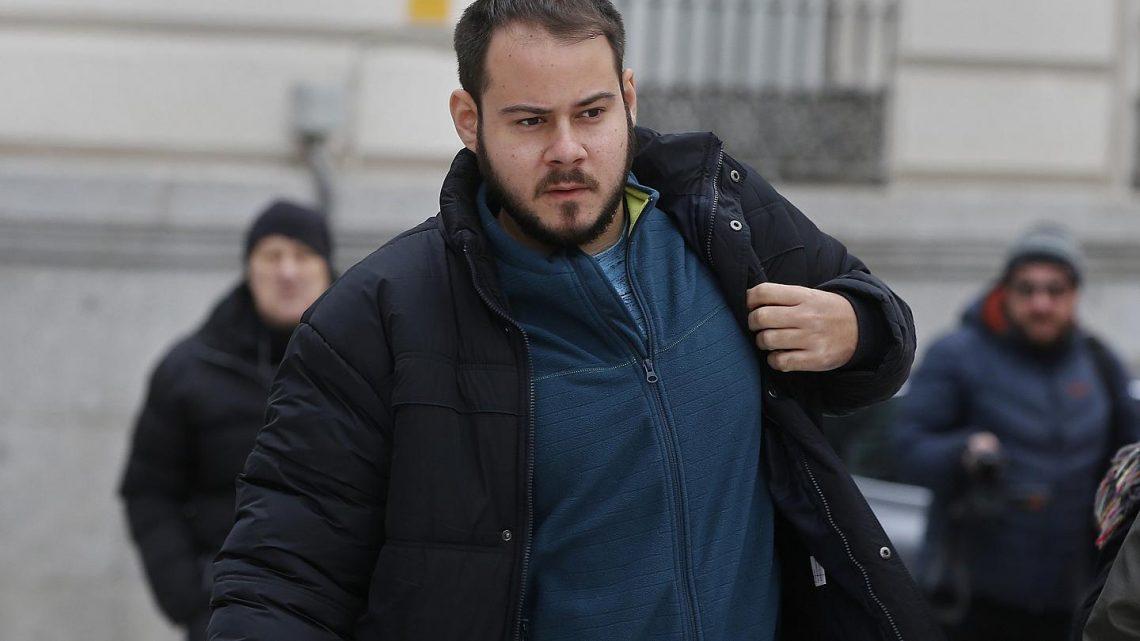 Insultos à coroa espanhola levam rapper à prisão