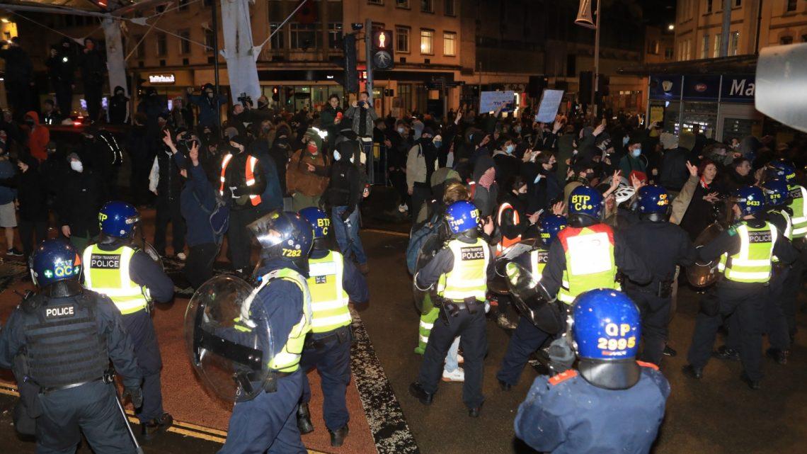 Pelo menos 10 detidos no Reino Unido em manifestação sobre nova lei