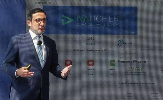 """Governo afirma que """"AT não vai aceder a dados dos contribuintes com IVAucher"""""""