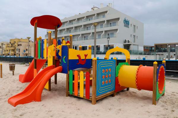 Marinha Grande   Instalação de espaço de jogo e recreio na praia da Vieira