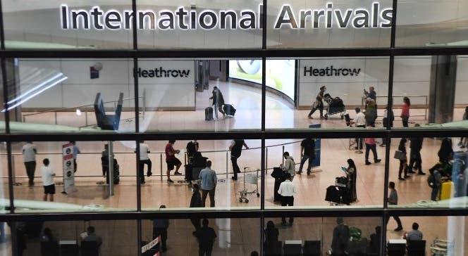 Governo britânico simplifica restrições a viagens internacionais