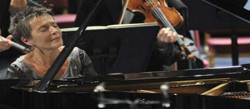 Pianista Maria João Pires internada devido a uma queda na cidade de Riga