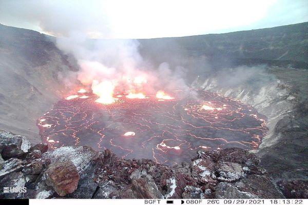 Vulcão Kilauea, um dos mais ativos do mundo, entra em erupção