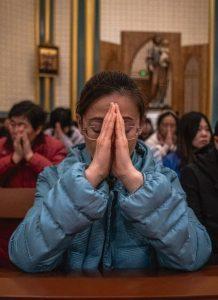 """""""Sinização do cristianismo"""" visa fechar a Igreja"""