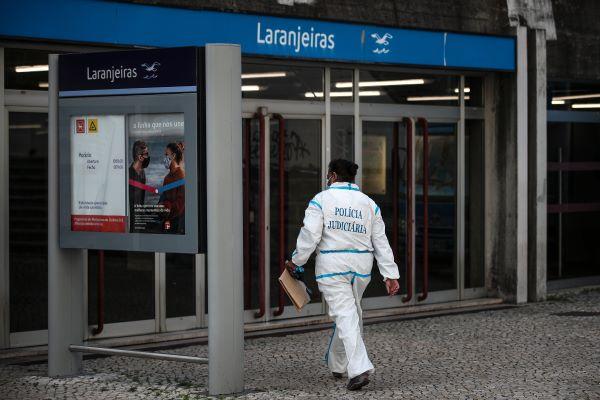 Detidos três suspeitos da morte de jovem na estação do metro das Laranjeiras