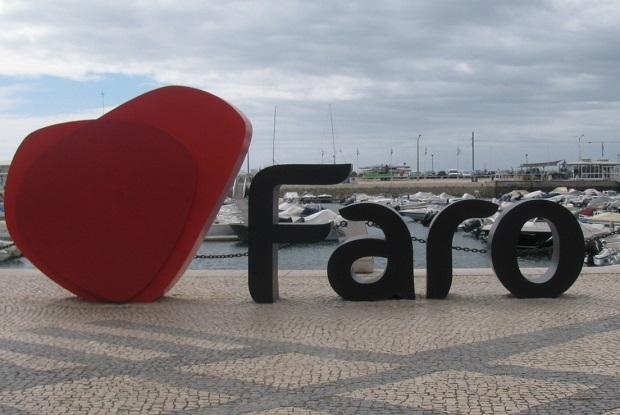 Faro promove-se em feira ibérica