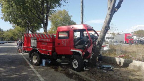 Ovar   Quatro bombeiros da corporação de Ovar feridos em despiste a caminho de incêndio