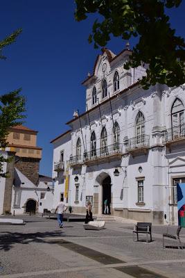 Évora   Em reunião pública de 11 de Setembro: Câmara de Évora aprovou requalificação do Largo de Nª Sª da Saúde