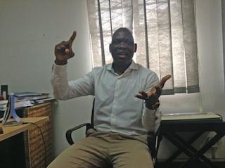 """Mundo   """"O maior crime da Frelimo não é a corrupção, é a destruição da Educação"""" em Moçambique avalia professor Adriano Nuvunga"""