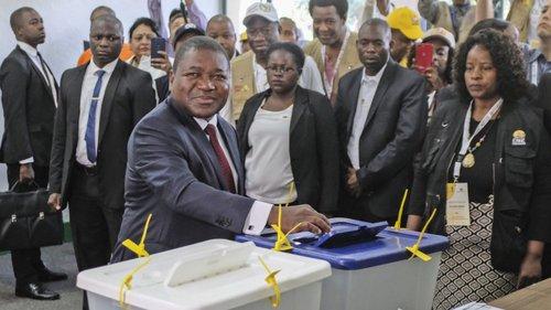 Moçambique | Extinto Ministério da Juventude e Desportos gasta milhões em viagens e publicações