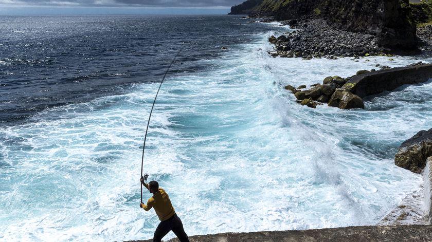 Pescador morre em São Martinho do Porto após cair ao mar