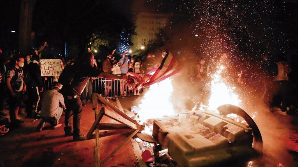 Uma revolução e não apenas tumultos