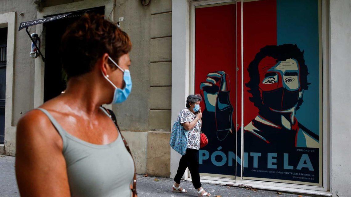 Habitantes de Barcelona aconselhados a ficar em casa devido a aumento de contágios