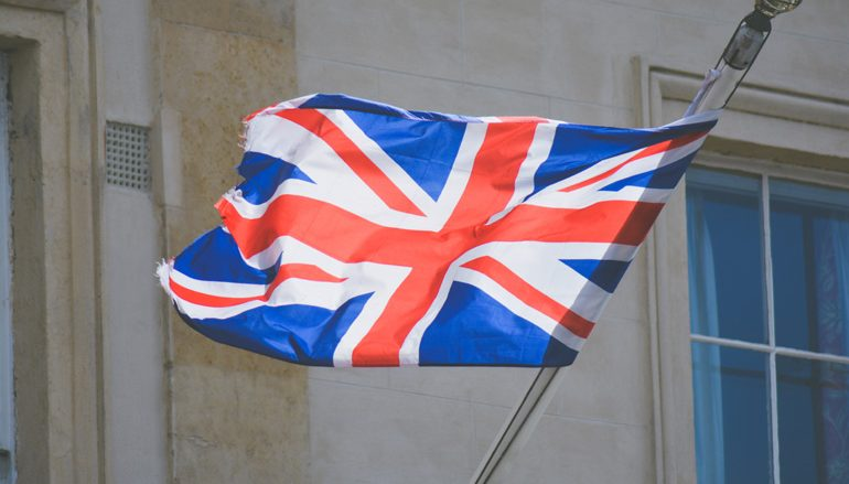 Reino Unido reavalia corredores aéreos a 27 de Julho