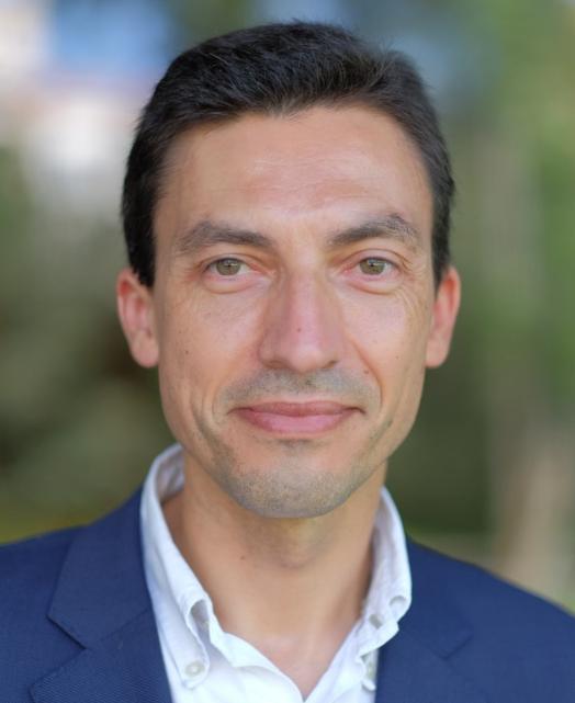 Candidato Presidencial Tiago Mayan visita Coimbra