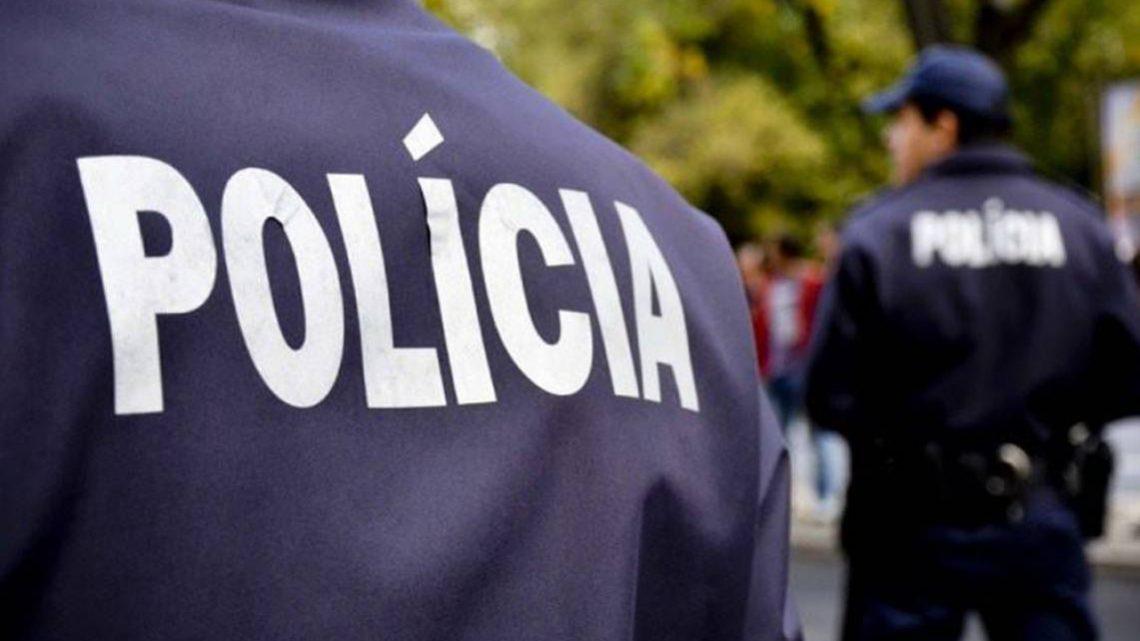 """Jornalista infiltrado afirma que """"Ser polícia é uma das profissões mais difíceis em França"""""""