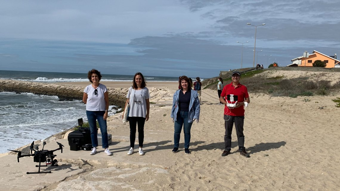 """Projeto liderado pela Universidade de Coimbra revela eficácia de Drones """"low-cost"""" no combate ao lixo marinho"""