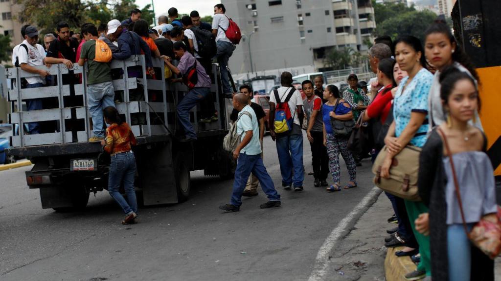 Associação portuguesa distribui sopa a carenciados de Caracas