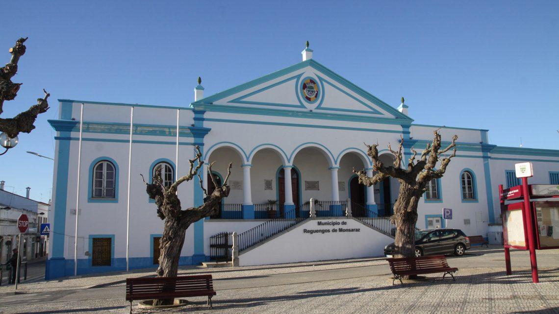 Emigrantes de Reguengos de Monsaraz vão ter gabinete de apoio na autarquia