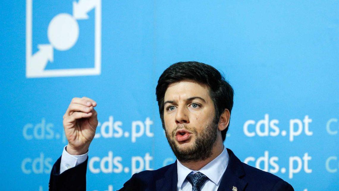 CDS-PP. Moção de confiança aprovada por 54,4% dos votos.
