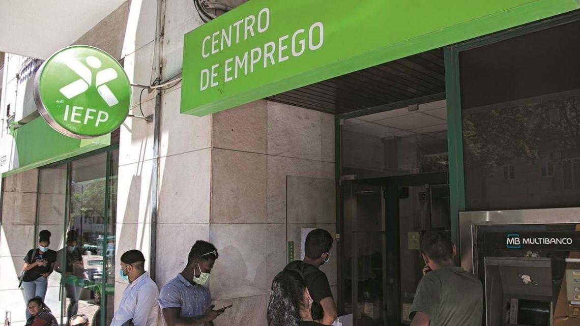 Mais de 136 mil trabalhadores precários perderam emprego, segundo um estudo da CGTP