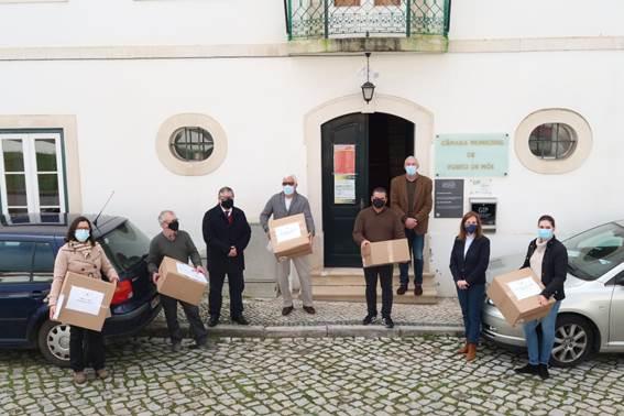 Porto de Mós | Instituições recebem máscaras tipo II