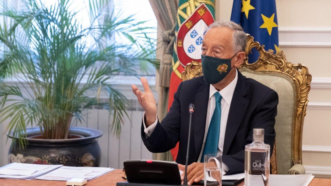 "Facilitar na semana da Páscoa é ""morrer na praia"", avisa Marcelo"