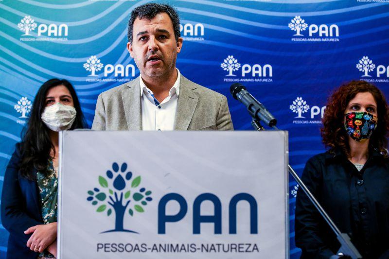 André Silva vai deixar liderança do PAN, lugar de deputado e vida política