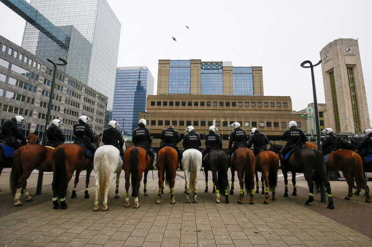 Maior operação policial de sempre na Bélgica em curso