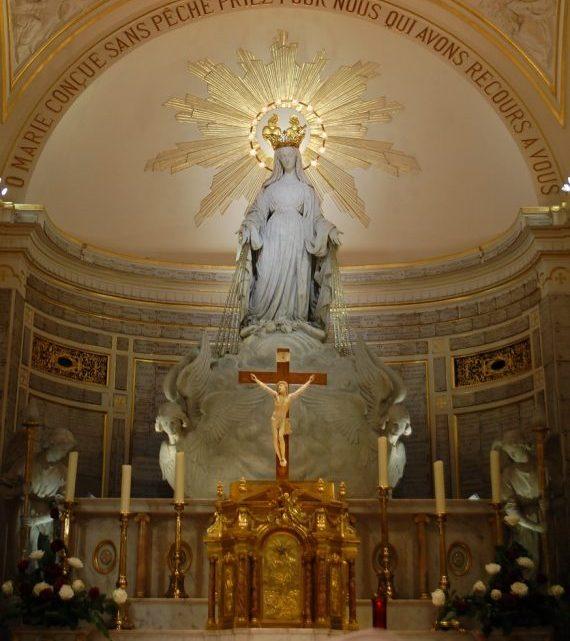 Casal se converte do esoterismo pela Medalha Milagrosa