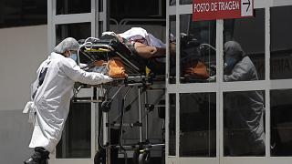 Brasil não consegue travar mortes por Covid-19