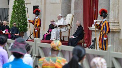 """""""Falta de filhos é uma gangrena para a sociedade"""", alerta o Papa"""