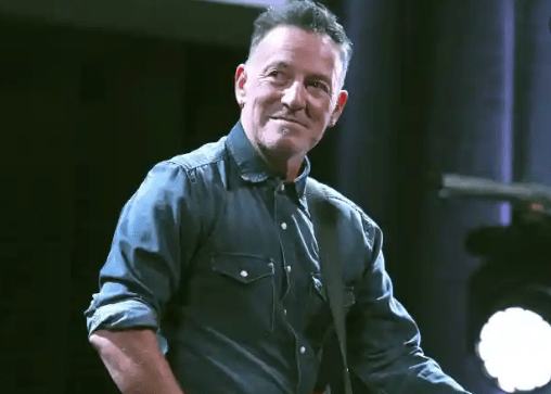 Bruce Springsteen está de volta aos concertos, mas não vai ser permitida entrada de vacinados com AstraZeneca
