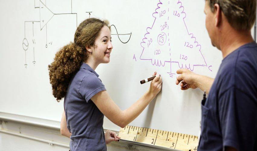 Escola Profissional Jean Piaget de Viseu abre pré-inscrições para dois cursos profissionais gratuitos