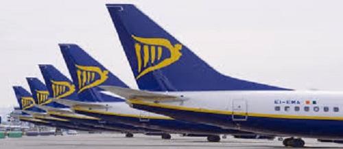 """Ryanair condena decisão """"bizarra"""" do Reino Unido de retirar Portugal da """"lista verde"""""""
