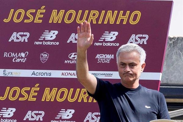 """José Mourinho chega a Roma para """"semear e ter tempo para colher"""""""