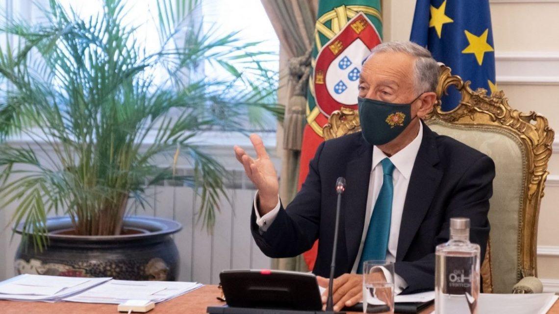 """Marcelo diz que """"governo está a desenvolver caminho """"diferente"""" e """"alternativo"""" ao confinamento"""""""
