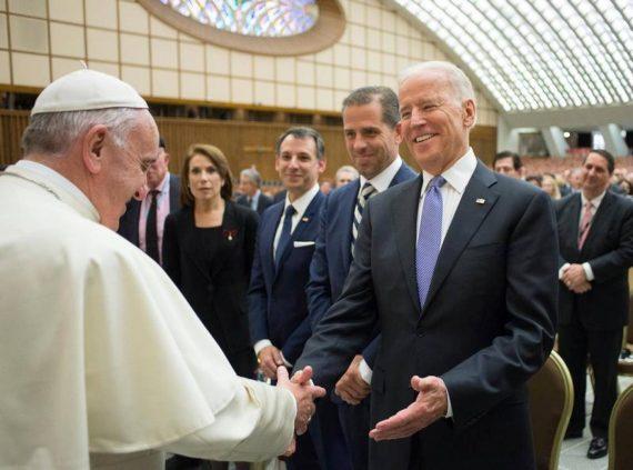 Vaticano freia condenação de políticos americanos abortistas