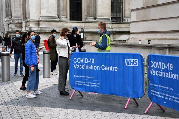 Reino Unido regista mais de 32.500 novos casos
