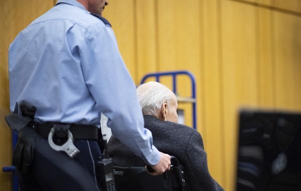 Ex-guarda de campo de concentração nazi julgado em outubro