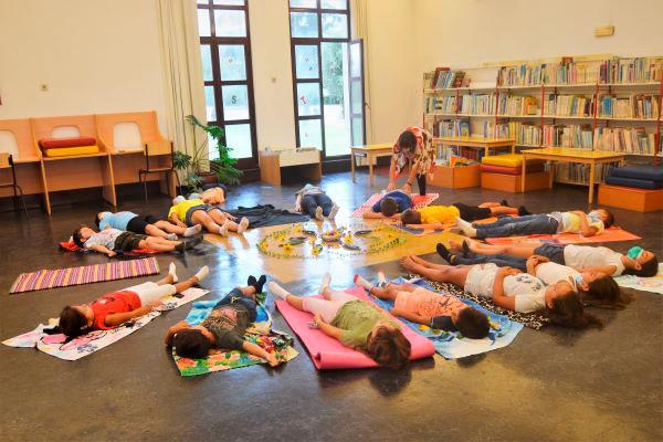 Sessão de Ioga para Crianças dinamizada pela Biblioteca Municipal de Cantanhede