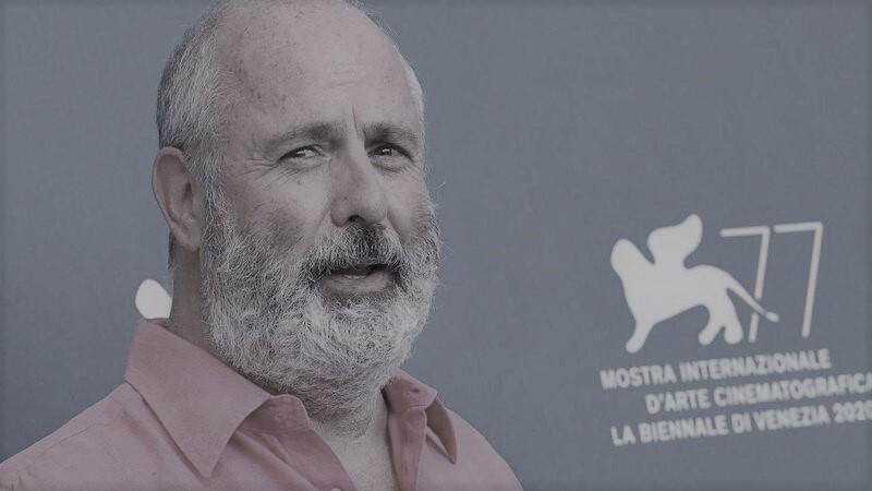 """Morreu Roger Michell, o realizador de """"Nothing Hill"""""""