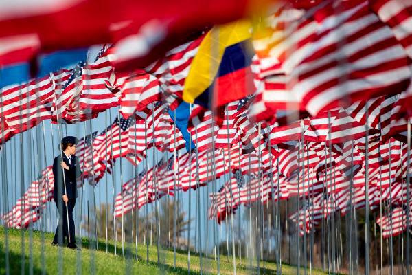 Na Califórnia, 2.977 bandeiras homenageiam vítimas do 11 de Setembro